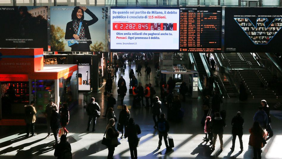 """A """"debt clock"""" in Rome's central train station"""