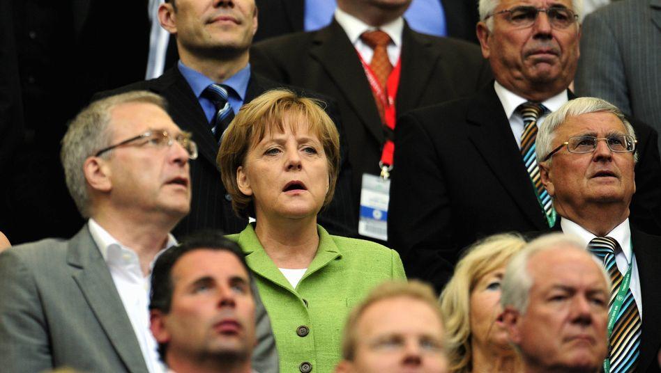 Fußballfan Merkel: Besuch bei der Nationalelf abgesagt