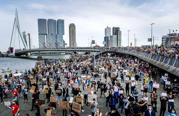 Protestierende in Rotterdam