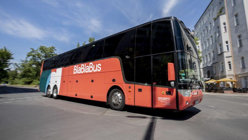 Ein Bus von Blablabus in Berlin