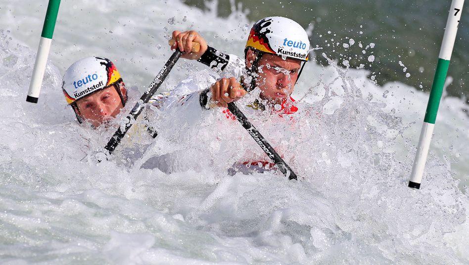 Kanuten Behling und Becker: Goldmedaille im Canadier-Zweier