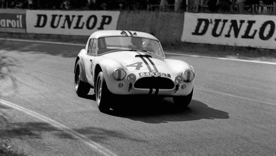 AC lässt sein Cobra-Modell, das 1963 in Le Mans an den Start ging, wieder aufleben. Diesmal allerdings mit Elektroantrieb