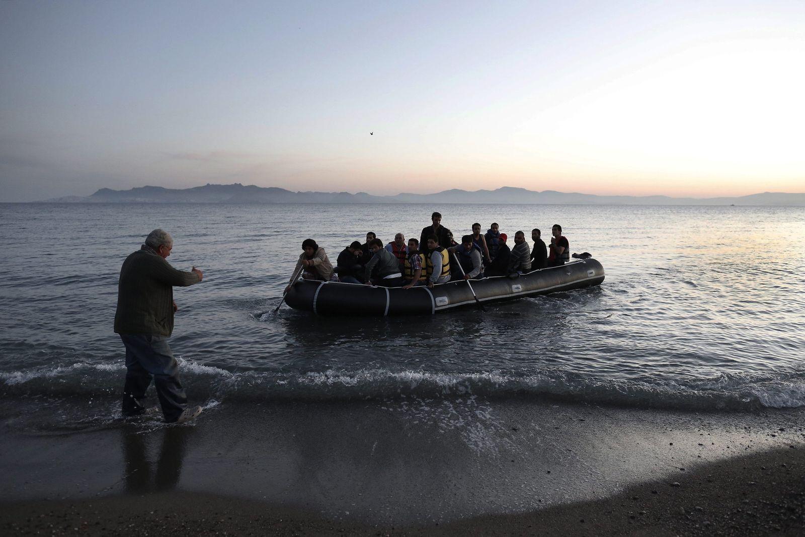 Flüchtlinge landen auf Kos