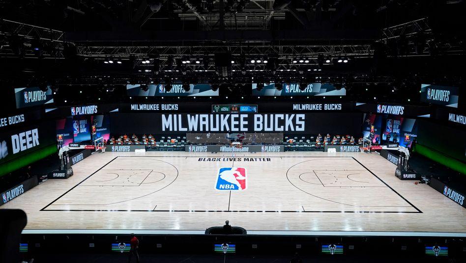 Ein leerer Court: Die Milwaukee Bucks streiken aus Protest gegen rassistische Polizeigewalt.