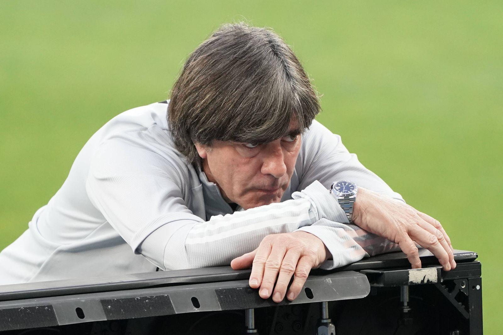 Sport Themen der Woche KW41 Sport Bilder des Tages Bundestrainer Joachim Loew (Deutschland Germany) im Stadion in Kiew
