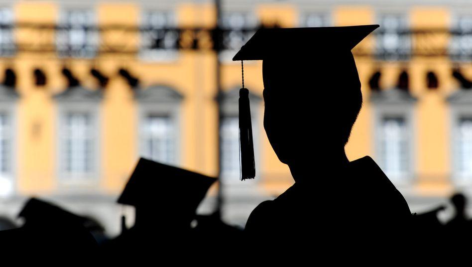 Uni-Absolvent: Richter gehen hart gegen Schummler vor