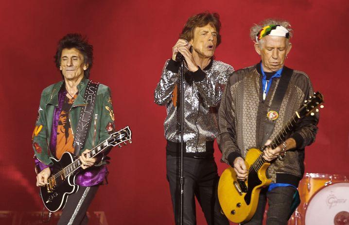 Ron Wood, Mick Jagger und Keith Richards von den Rolling Stones im Hamburger Stadtpark