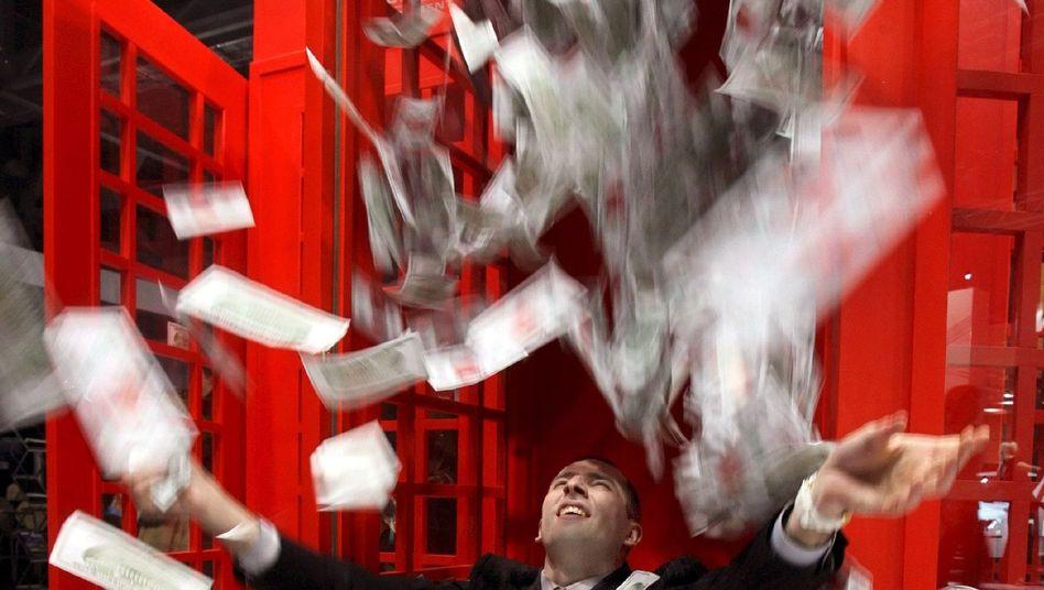 Mann auf einer Millionärsmesse in Moskau: Der Schöne Schein trügt bisweile