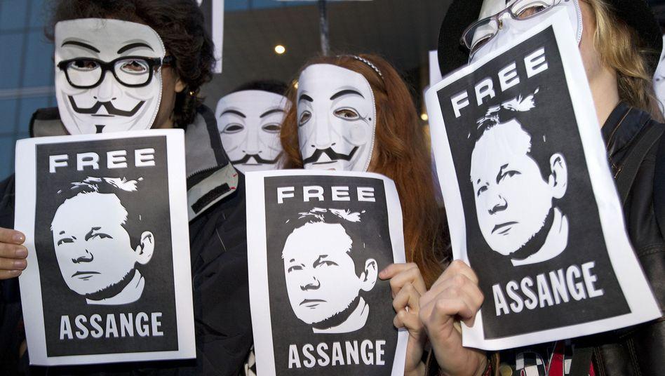 Demonstranten mit Anonymous-Masken: Informatiker zweifelt am Online-Anonymisierer Tor