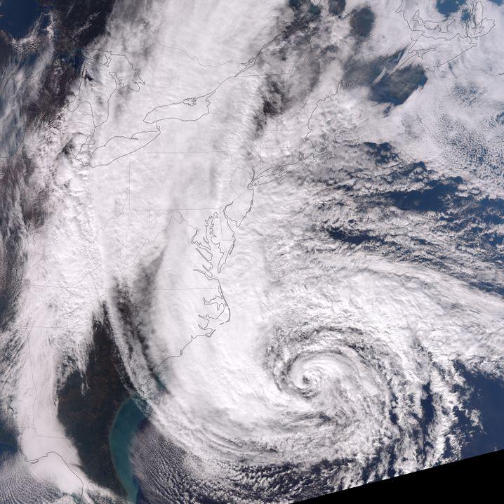 """Hurrikan """"Sandy"""" vor der Ostküste der USA: Seltener 3000-Kilometer-Wirbel"""