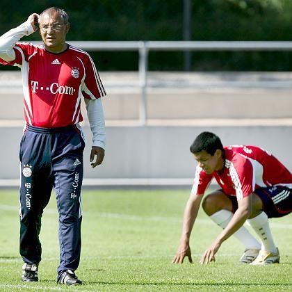 Bayern-Trainer Magath (l.), Spieler Dos Santos (r.): Getrennte Wege in der Rückrunde