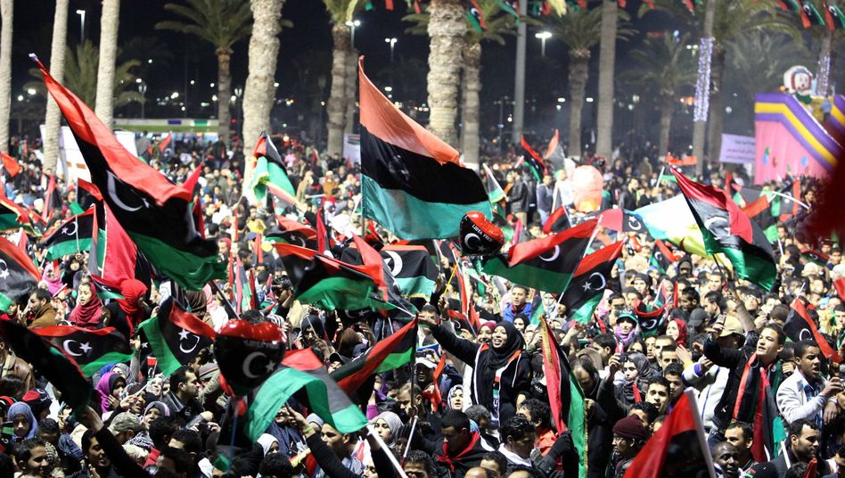 Libyer feiern den Jahrestag der Revolution: International wächst die Kritik an den Rebellen