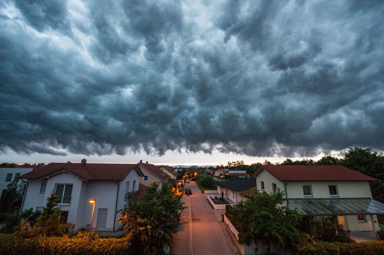 Gewitterwolken über Straubing / Unwetter