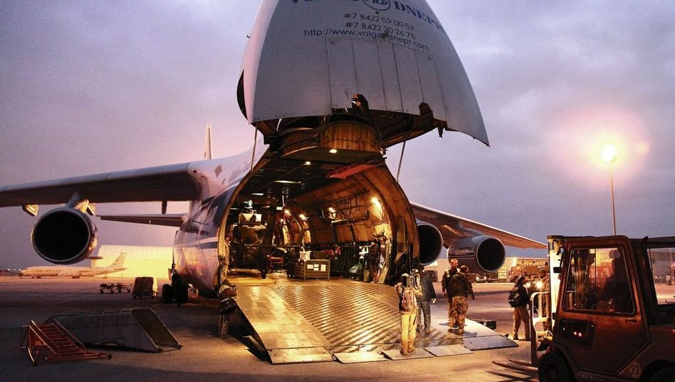 Antonow-Transporter in Afghanistan Gefährdete Routen