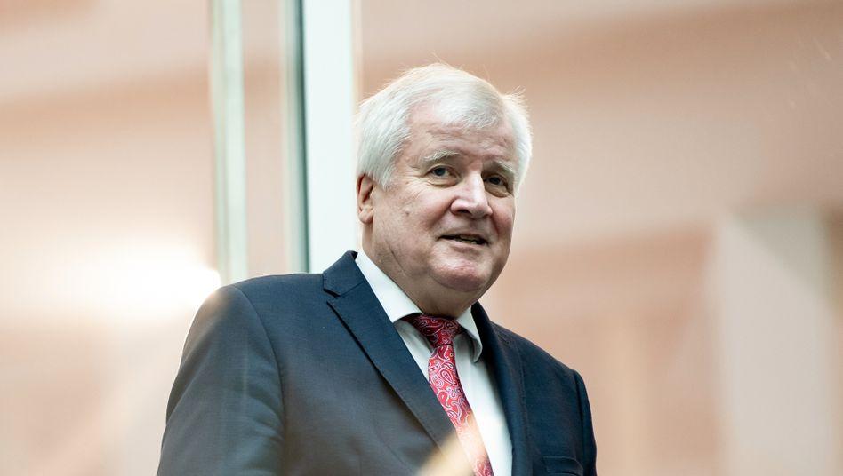 """Horst Seehofer: """"Es geht um unser gemeinsames Wertesystem"""""""