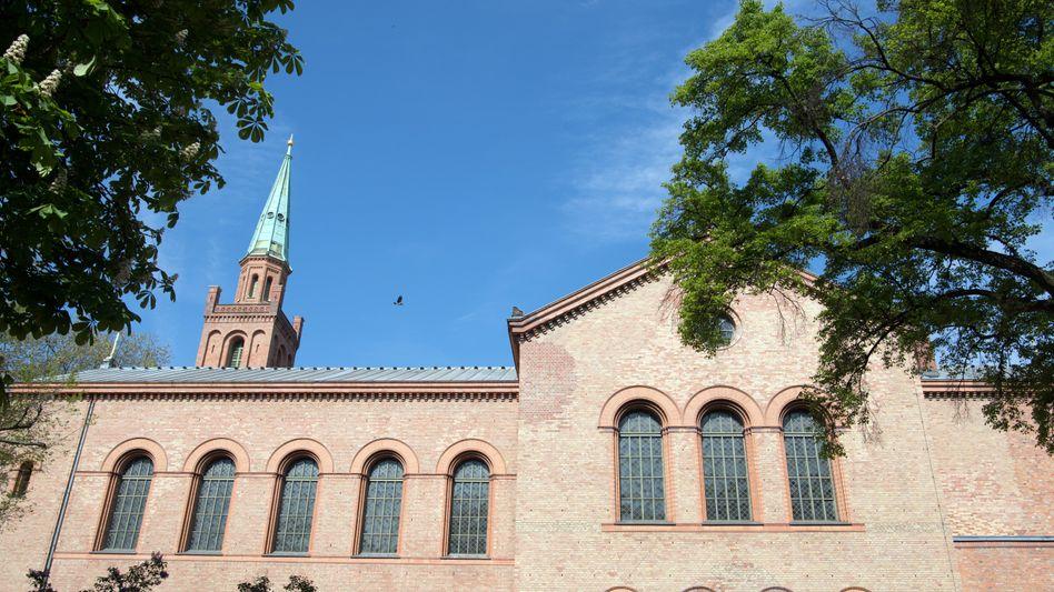 Moschee in einem Raum der Berliner Kirche St. Johannes