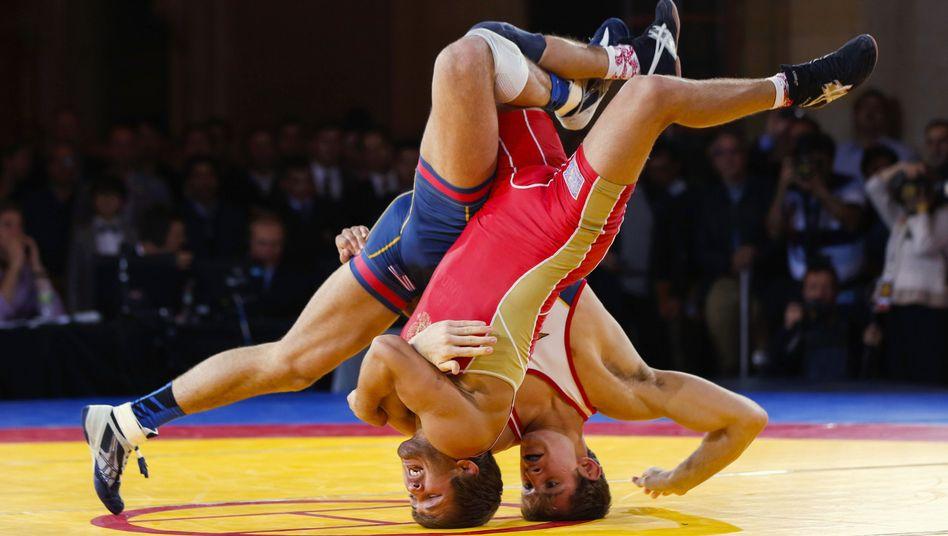 Ringer beim Kampf: Hoffen auf Olympia-Verbleib