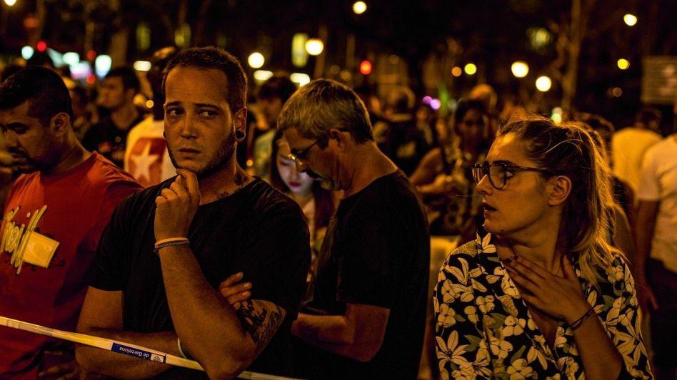 Trauernde nahe dem Anschlagsort: »Drehkreuz der Dschihadisten und Touristenmagnet«