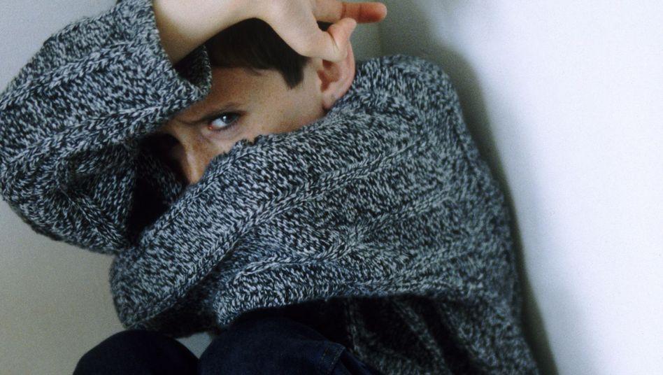 Gewalt gegen Kinder: Jedes dritte Kind aus prekären Verhältnissen berichtet von Schlägen