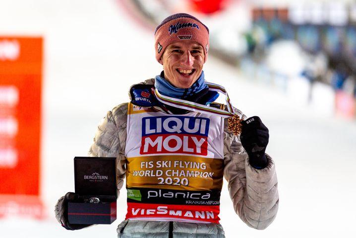 Karl Geiger gewann bei der Skiflug-WM in Planice Gold