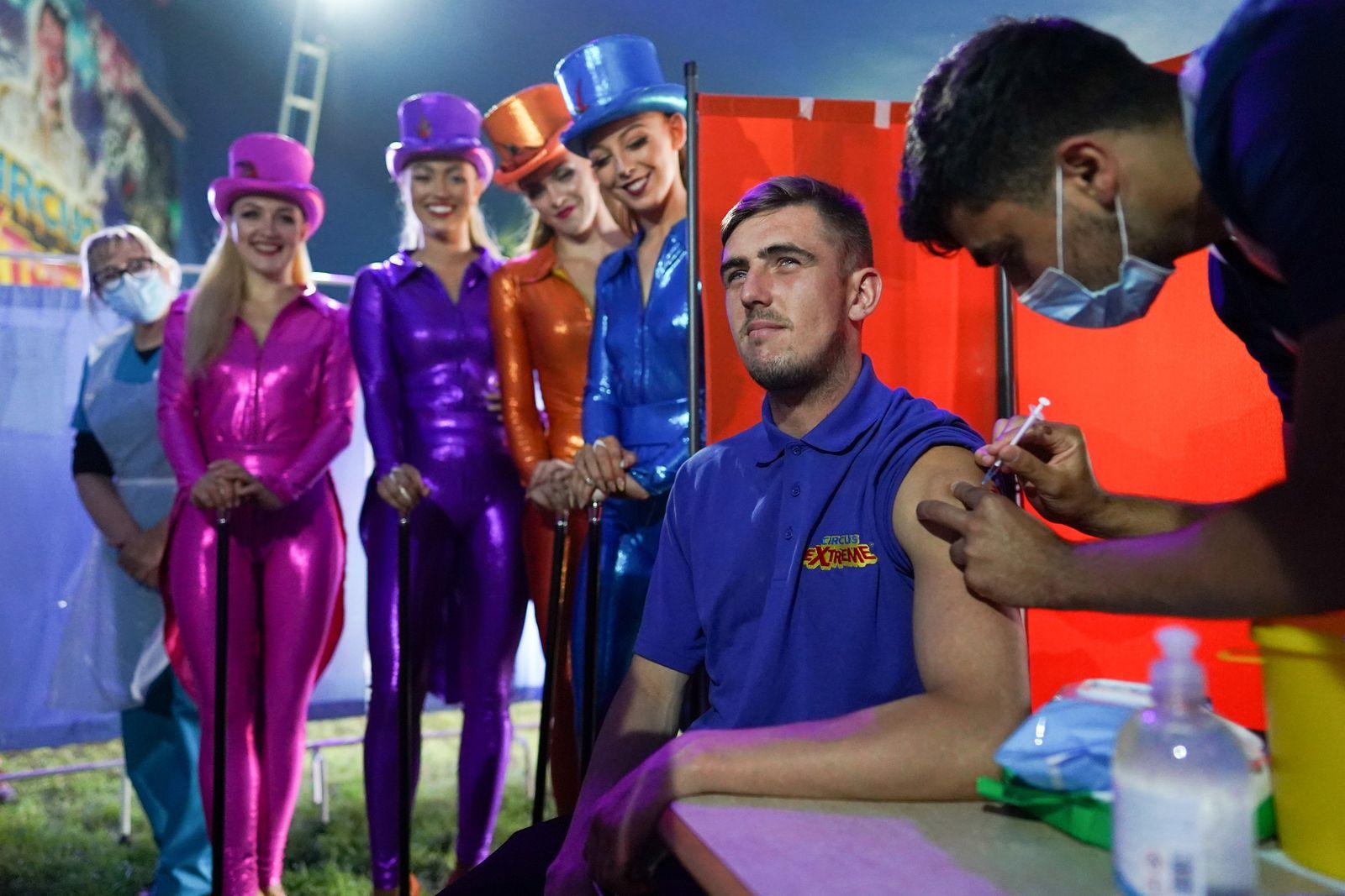 *** BESTPIX *** Circus-goers Receive Covid Vaccines Before Big Top Performance