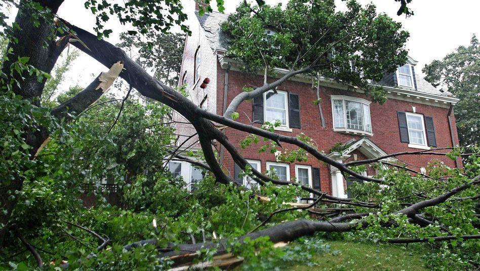 """Beschädigtes Haus in Rhode Island nach Tropensturm """"Irene"""": Nehmen Katastrophen zu?"""