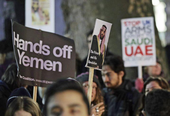 """Anti-Kriegs-Demonstration: """"Hände weg vom Jemen"""""""