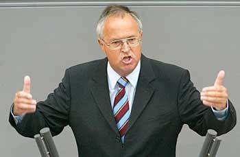 Sagt Koch und Steinbrück grundsätzlich Engegenkommen zu: Hans Eichel