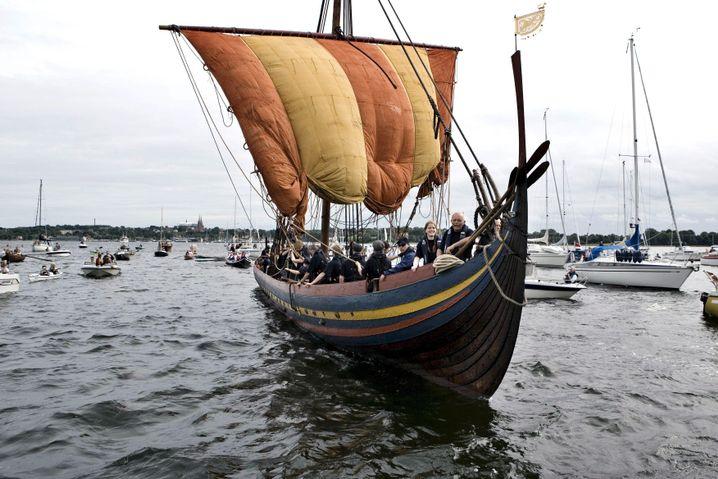 """Nachbau eines Wikingerschiffs """"Havhingsten af Glendalough"""" in Roskilde, Dänemark (2007)"""