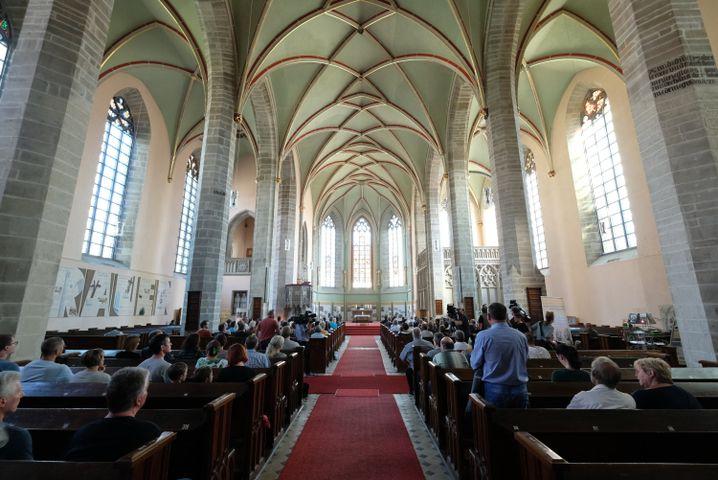 Andacht für den Toten in der Sankt-Jakob-Kirche