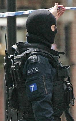 """Polizist bei der Großrazzia in London: """"Schüsse wie von Maschinengewehren"""""""