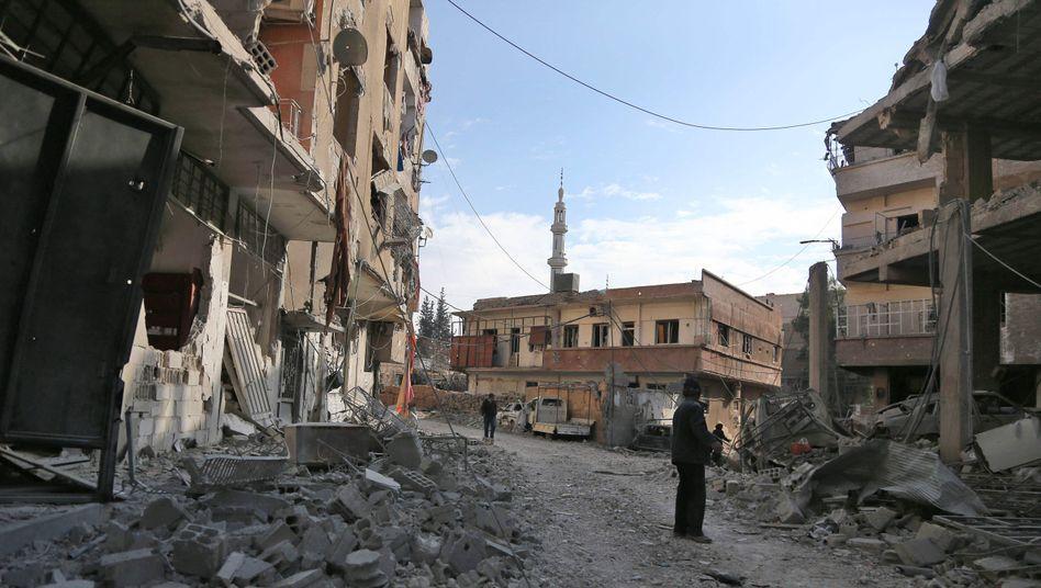 Straße in Damaskus nach Luftangriff