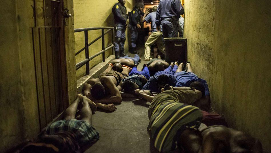 Polizei stellt Verdächtige in Johannesburg: Wochenlange Ausschreitungen