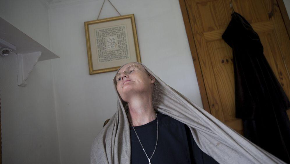 Britische Eremitin: Als Einsiedlerin auf Facebook