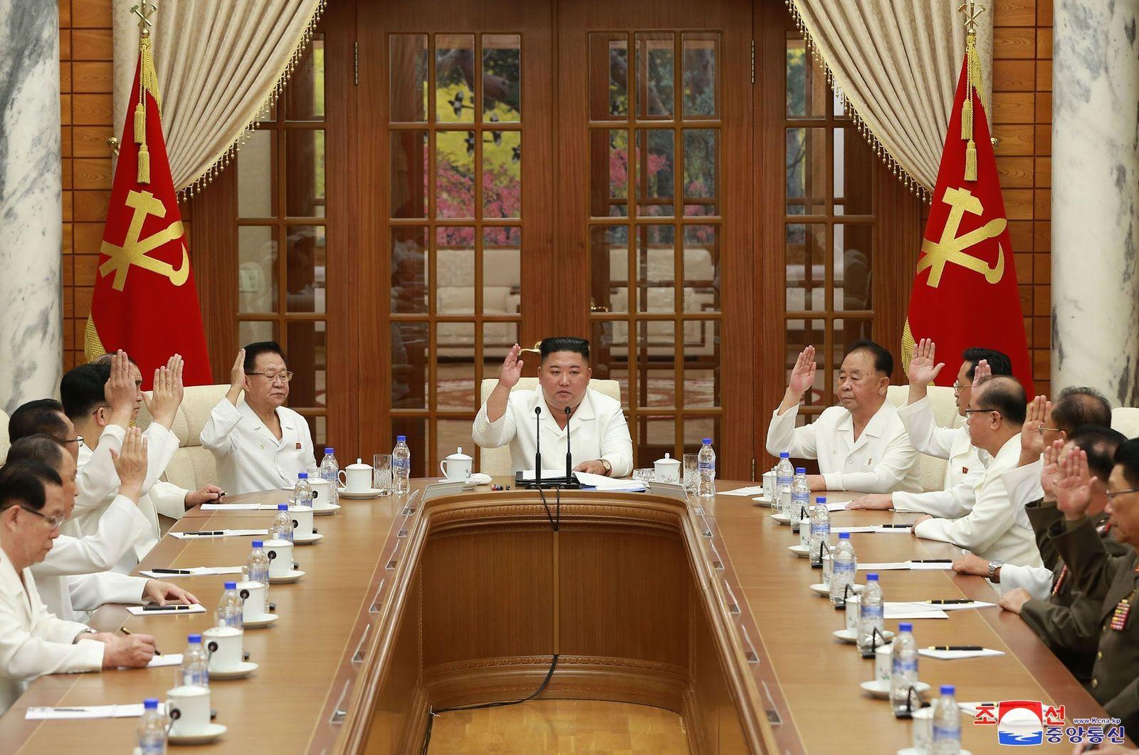 Sitzung des Politbüros der Partei der Arbeit Koreas