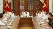 Kim Jong Un taucht wieder auf offiziellen Fotos auf