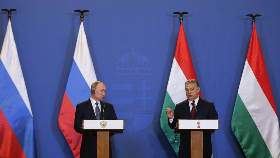 Viktor Orbán und Wladimir Putin (Archiv): Budapest hat in der EU einen Sonderweg gewählt