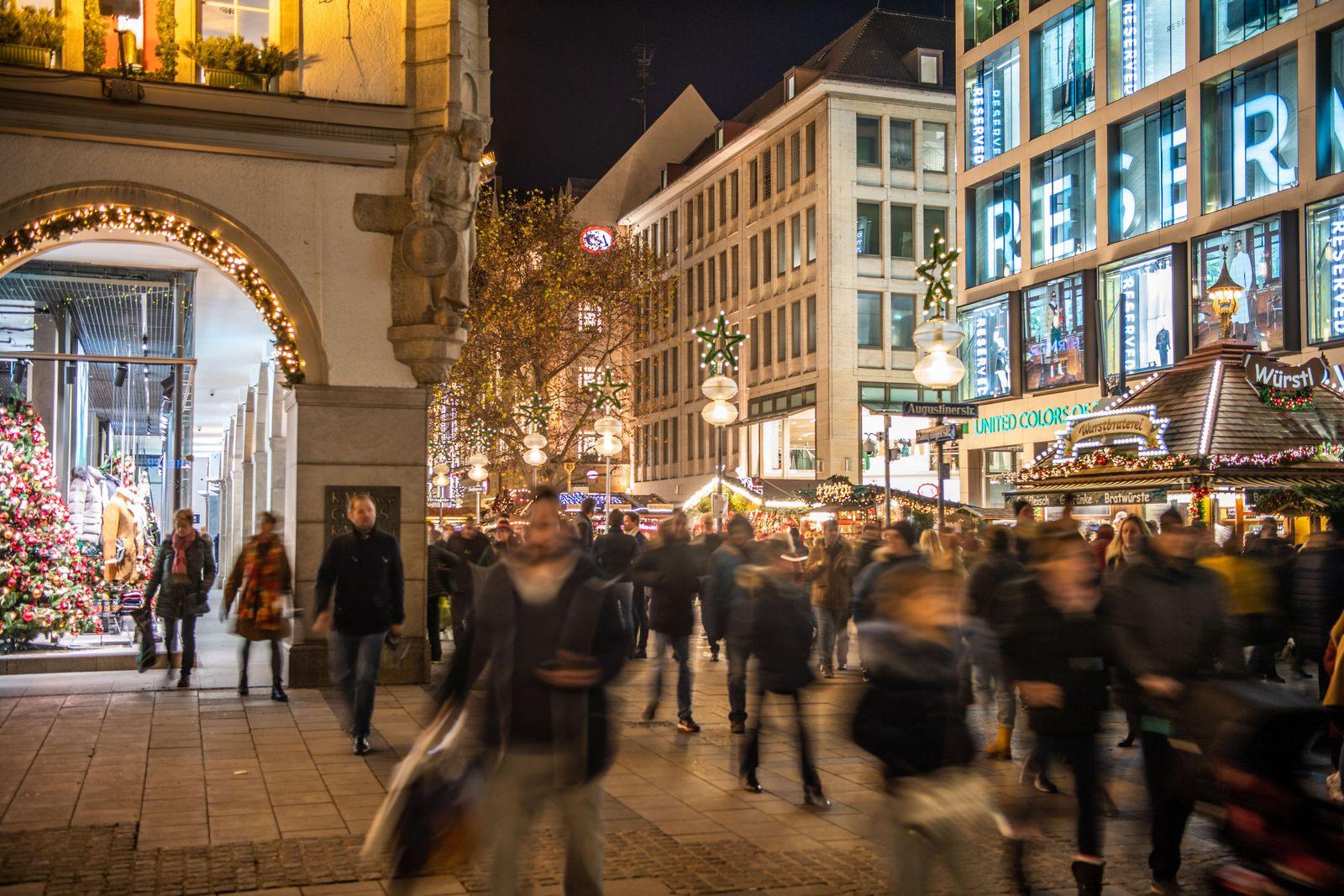 Vorweihnachtliches Einkaufen in München
