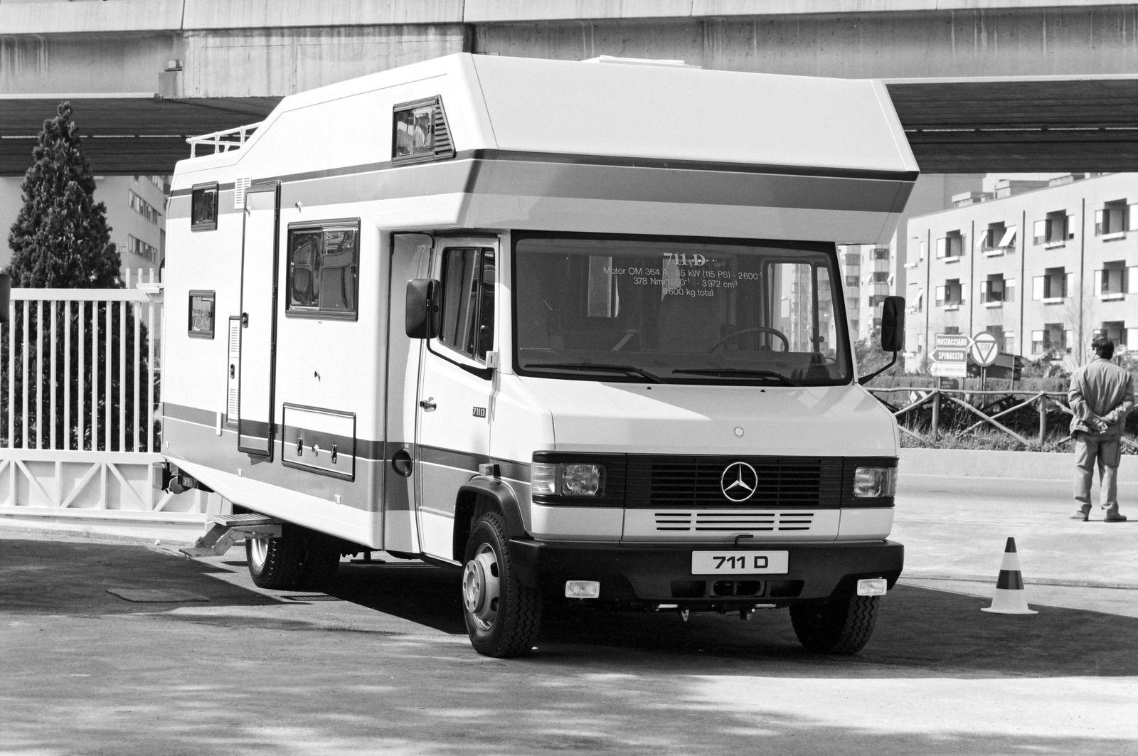 Mercedes-Benz 711 D