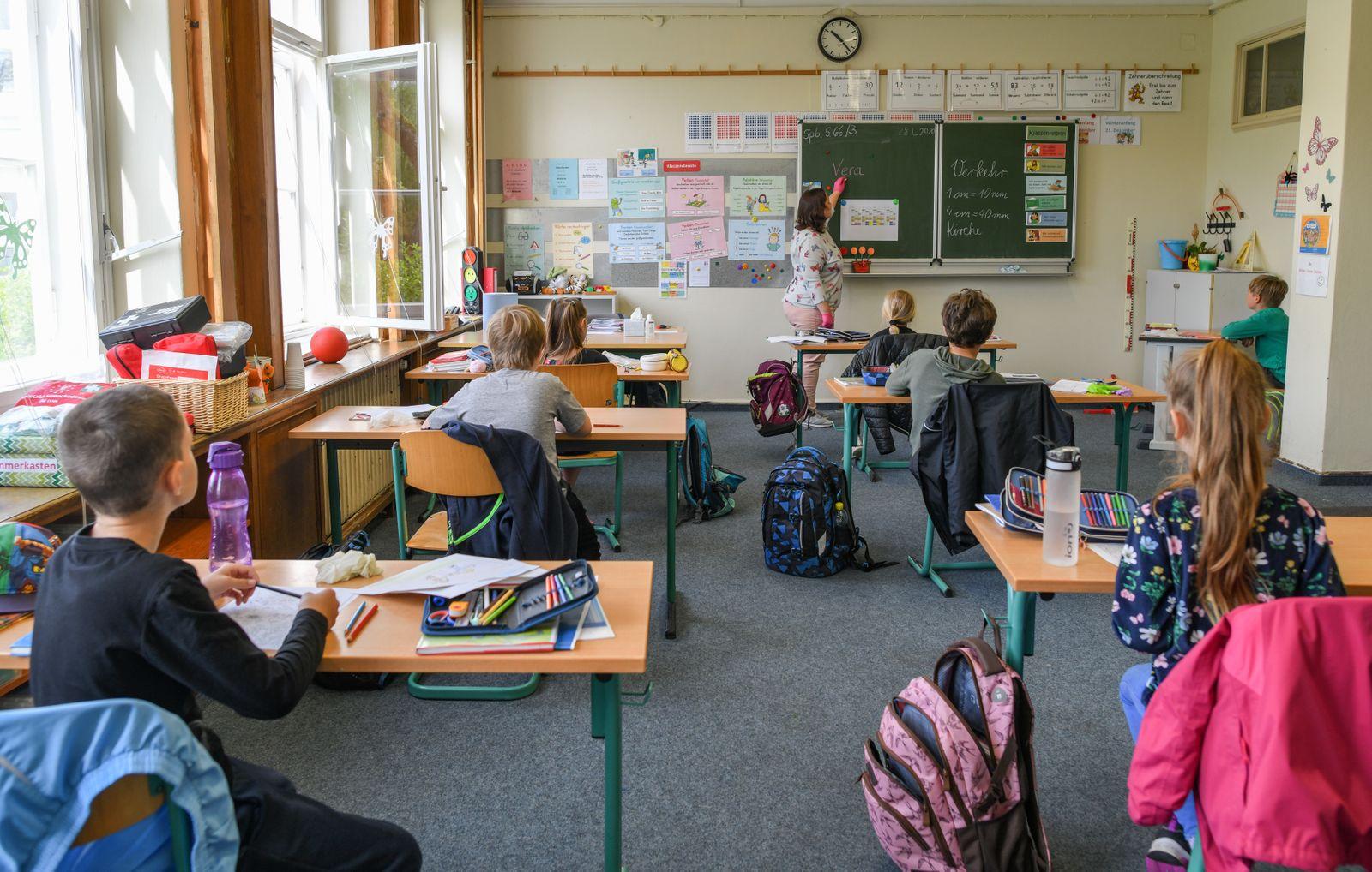 Debatte über Schulöffnungen
