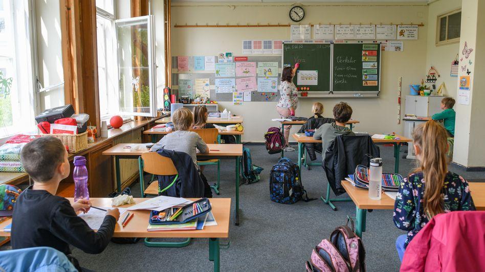 """Schule in Eisenhüttenstadt (Symbolbild): """"Es wird keinen flächendeckenden, vollumfänglichen Regelschulbetrieb wie vor Corona geben"""""""