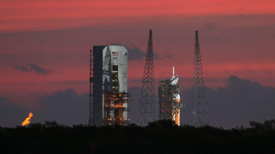 """Weiter warten: Die Delta-IV-Rakete mit Raumschiff """"Orion"""""""