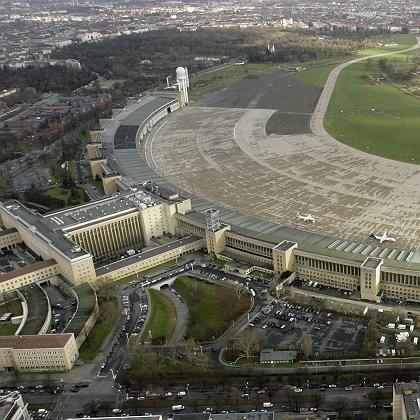 """Tempelhof-Gelände aus der Luft: """"VIP-Flughafen für Bosse und reiche Leute"""""""