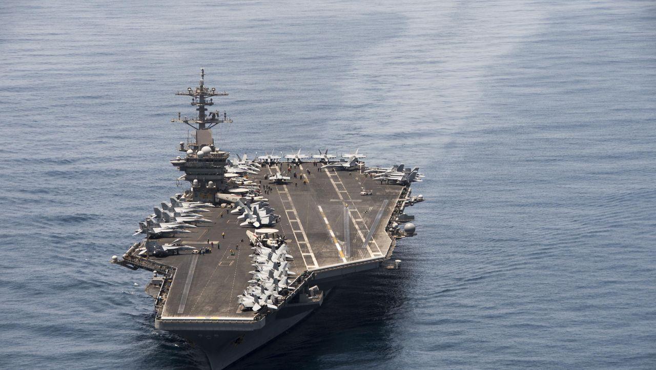 """Coronavirus: Brett Crozier nach Brandbrief als Kapitän der USS """"Theodore Roosevelt"""" abgesetzt - DER SPIEGEL - Politik"""