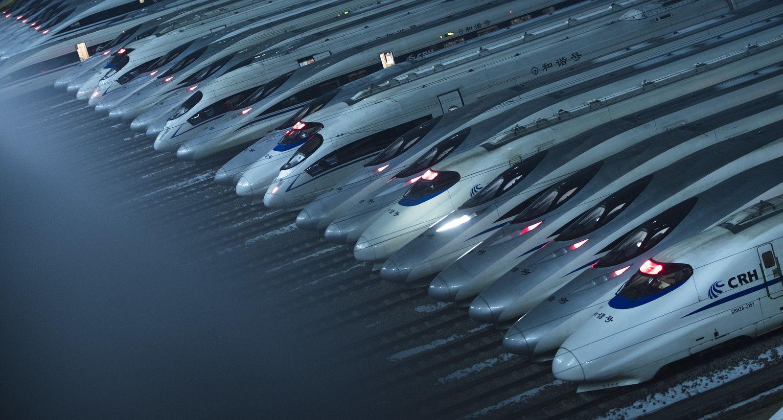 Hochgeschwindigkeitszüge bereit zur Wartung