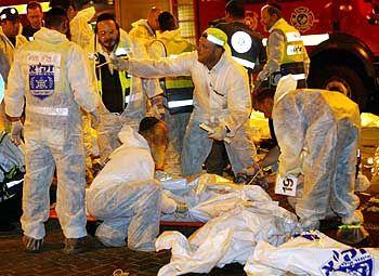 Hektik unter Rettern: Mehr als 100 Verletzte sind zu versorgen