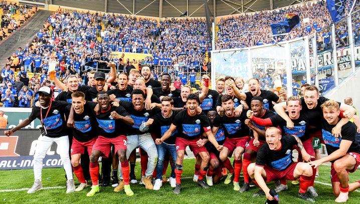 2. Bundesliga: Hier feiert Paderborn seinen Aufstieg