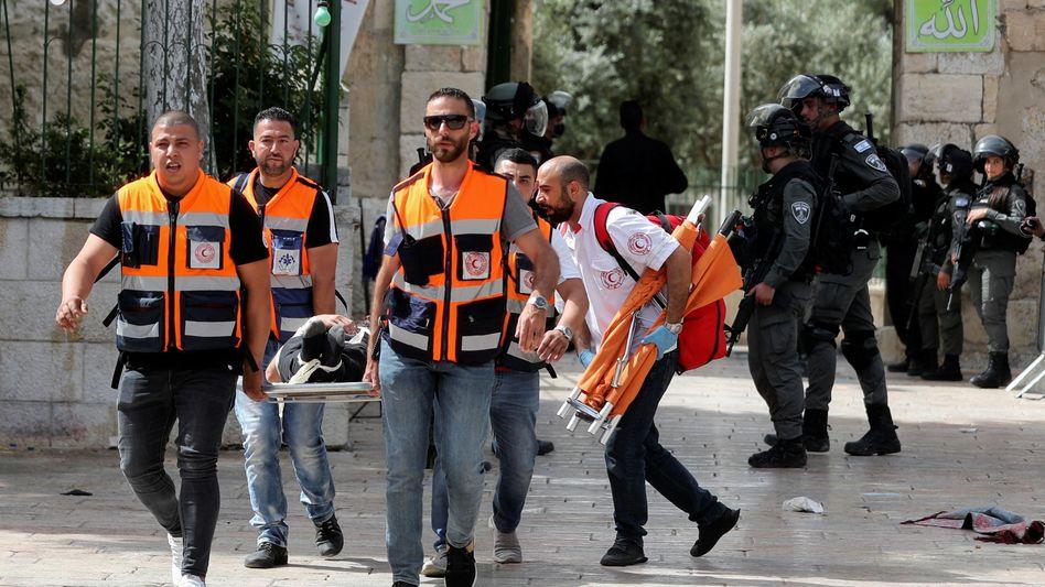 Verletzter nach Auseinandersetzung vor der al-Aksa-Moschee