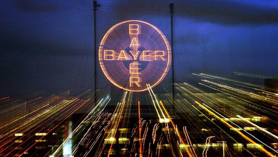 Zentrale des Bayer-Konzerns in Leverkusen: Immense Rechtsrisiken