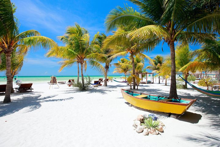 Strand auf Holbox in Mexiko